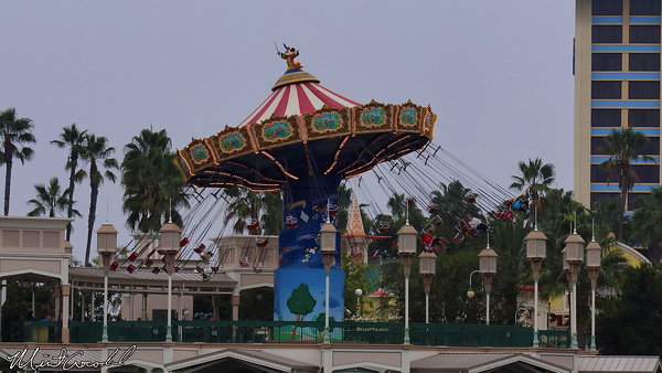 Disneyland Resort, Disney California Adventure, Paradise Pier, Silly Symphony Swings