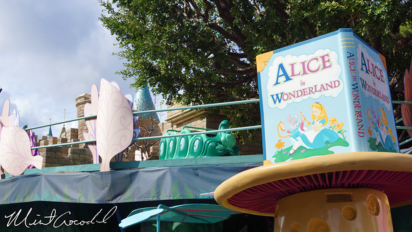 Disneyland Resort, Disneyland, Alice in Wonderland, Rain