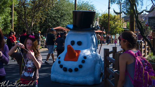 Disneyland Resort, Disney California Adventure, Cars Land, Christmas, Time