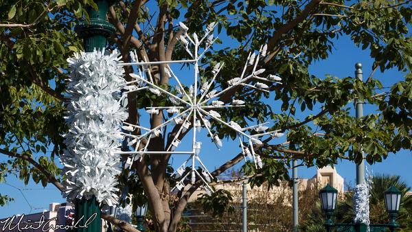 Disneyland Resort, Disney California Adventure, Buena Vista Street, Christmas Time, Christmas, Snowflake, Light