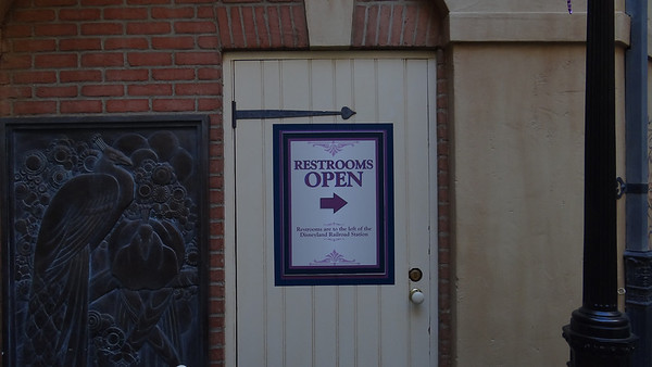 Disneyland Resort, Disneyland, New Orleans Square, Mardi Gras, Club 33, Refurbishment, Refurb
