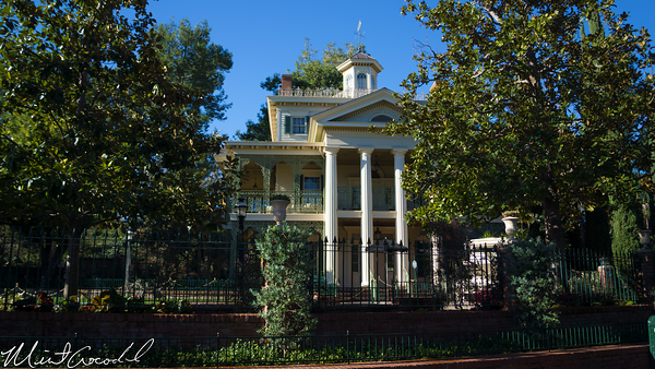 Disneyland Resort, Disneyland, New Orleans Square, Haunted Mansion, 2015, Wall, Window
