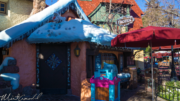 Disneyland Resort, Disneyland, Fantasyland, Frozen, Olaf, Paint, Face