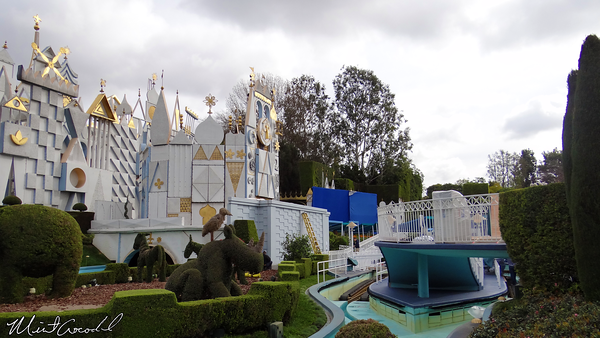 Disneyland Resort, Disneyland, it's a small world, Brad Bird, Tomorowland