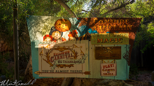 Disneyland Resort, Disneyland, Frontierland, Halloween Carnival, Halloween Time, Big Thunder Ranch