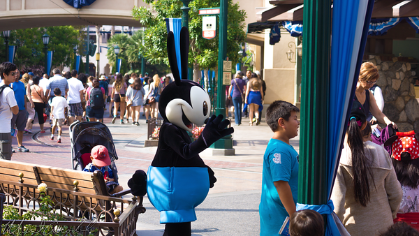 Disneyland Resort, Disneyland60, Disney California Adventure, Buena, Vista, Street, Oswald