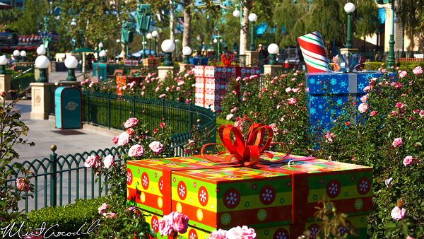 Disneyland Resort, Disney California Adventure, Paradise Pier, World of Color, Winter Dreams, Christmas, Time