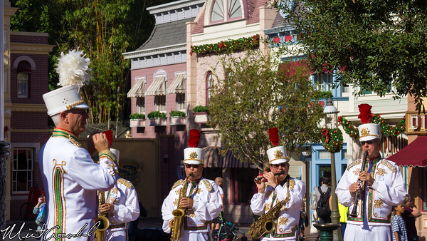 Disneyland Resort, Disneyland, Main Street U.S.A., Christmas, Christmas Time, Band