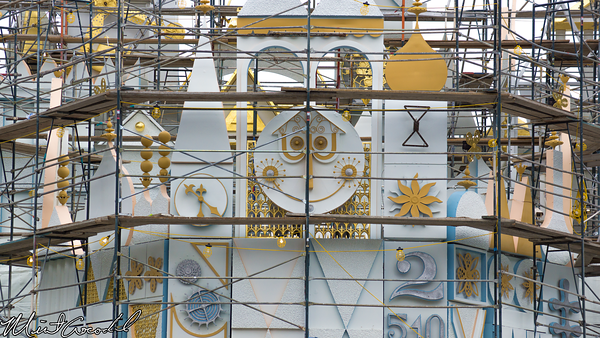 Disneyland Resort, Disneyland, it's a small world, Facade, Refurbishment, Refurbish, Refurb, Tarp, Scaffolding