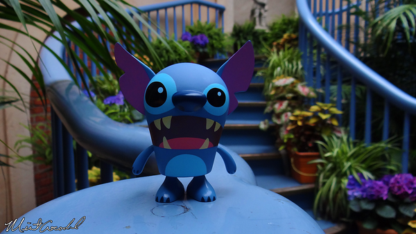 Disneyland Resort, Disneyland, Court of Angels, Court des Anges, Stitch