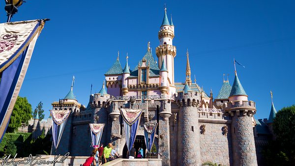 Disneyland Resort, Disneyland, Fantasyland, Sleeping Beauty Castle, Drawbridge, Courtyard, Parapet, Rail, Railing, Railings