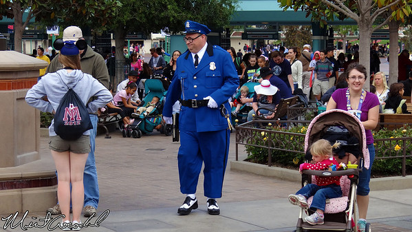 Disney California Adventure, Buena Vista Street, Officer Blue