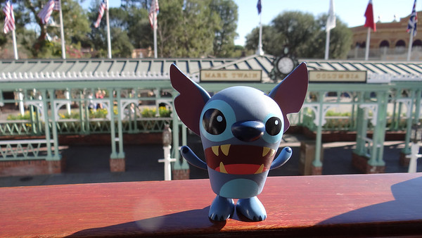 Disneyland Resort, Disneyland, Mark Twain, Stitch