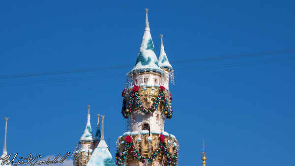 Disneyland Resort, Disneyland, Sleeping Beauty Castle, Christmas, Christmas Time, Garland