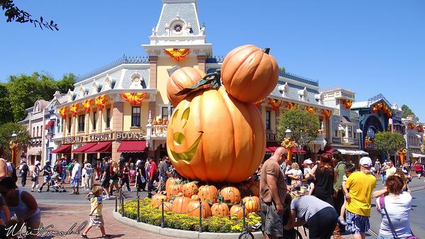 disneyland resort disneyland main street usa pumpkins halloween time - Disneyland Hours Halloween