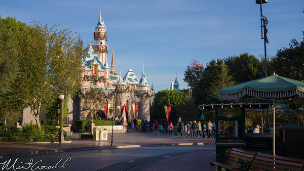 Disneyland Resort, Disneyland, Main Street U.S.A., Christmas Time, Christmas. Frozen, Meet, Greet