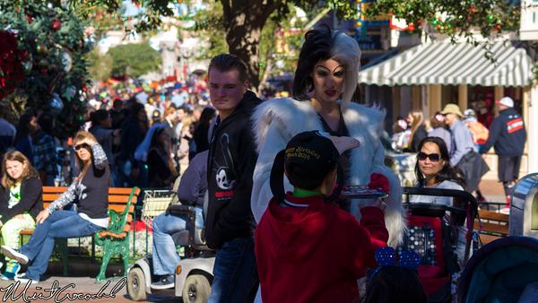 Disneyland Resort, Disneyland, Christmas Time, Christmas, Time, Main Street U.S.A., Cruella