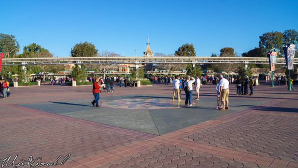 Disneyland Resort, Main Entrance Plaza, Disneyland, Disney California Adventure
