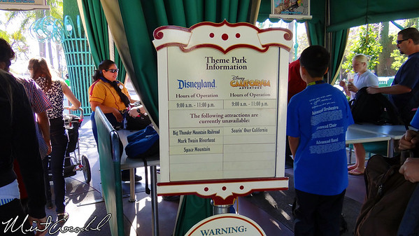 Disneyland Resort, Entrance
