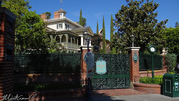 Disneyland, Haunted Mansion, Haunted Mansion Holiday