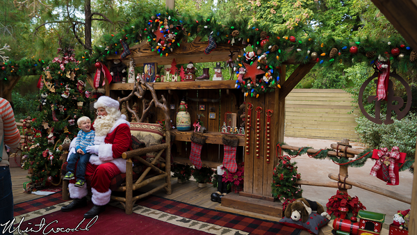 Disneyland Resort, Disneyland, Big Thunder Ranch, Jingle Jangle Jamboree, Santa, Claus, Mickey, Chip, Dale, Pluto