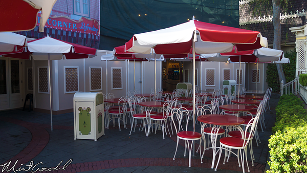 Disneyland Resort, Disneyland, Main Street U.S.A., Coke Corner, Carefree Corner, Patio, Piano