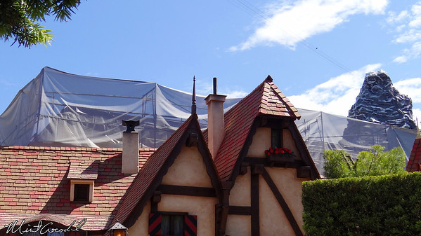 Disneyland, Fantasyland, Construction