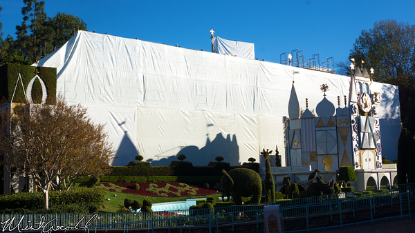 Disneyland Resort, Disneyland, it's a small world, refurbishment, refurb, refurbish, 60, anniversary, scaffold, tarp, Christmas, Time, Small World Holiday