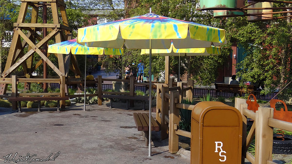 Disneyland Resort, Disney California Adventure, Cars Land, Fillmore's Taste-In, Umbrellas