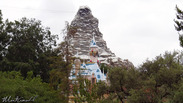 Disneyland Resort, Disneyland, Sleeping Beauty Castle, Matterhorn, Christmas, Christmas Time