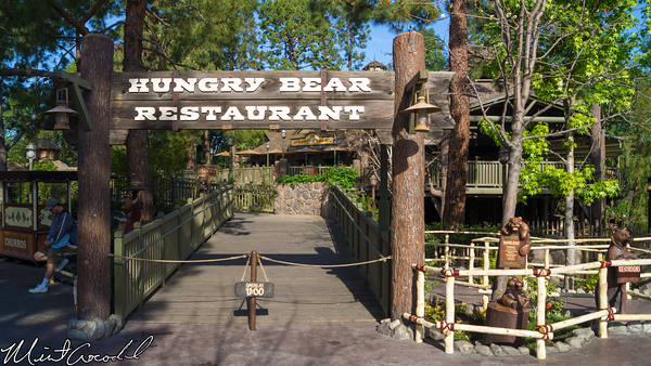 Disneyland Resort, Disneyland, Critter, Country, Hungry, Bear, Restaurant, Companion, Restroom, Family, Country Bear, Sun, Bonnets