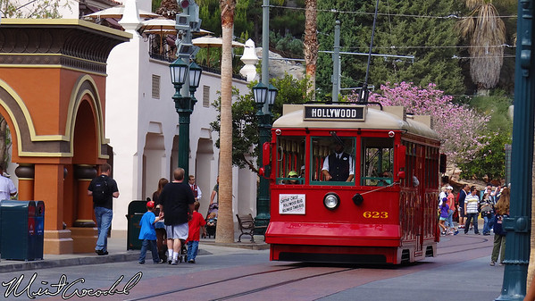 Disney California Adventure, Red Car Trolley