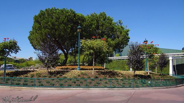 Disneyland Resort, Disneyland, Disney California Adventure, Tram