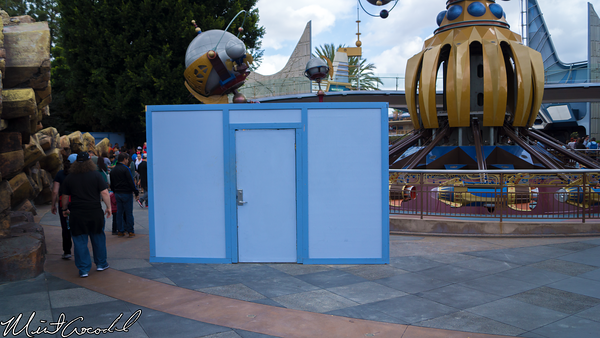 Disneyland Resort, Disneyland, Tomorrowland, Pavement, Wall, Construction, Refurbishment, Refurbish, Refurb