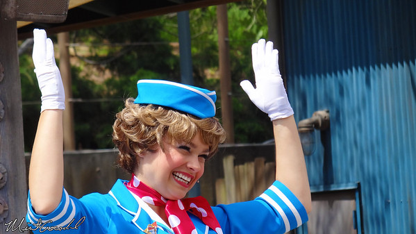 Disneyland Resort, Disney California Adventure, Minnie's Fly Girls Charter Airlines