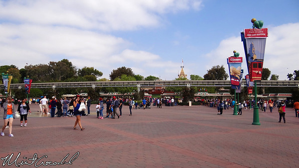 Disneyland, Main Entry Plaza
