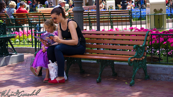 Disneyland Resort, Disneyland, Main Street U.S.A., Mother, Frozen, Book, Daughter
