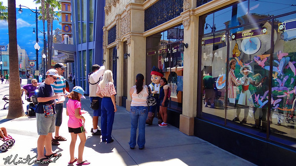 Disneyland Resort, Disney California Adventure, Hollywoodland, Jake and the Neverland Pirates, Sofia the First