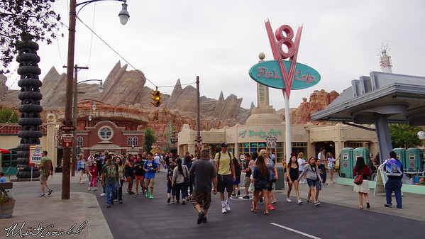 Disneyland Resort, Disney California Adventure, Cars Land