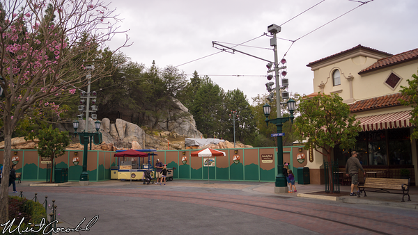 Disneyland Resort, Disney California Adventure, Buena Vista Street, Condor, Flats, Grizzly, Peak, Airfield