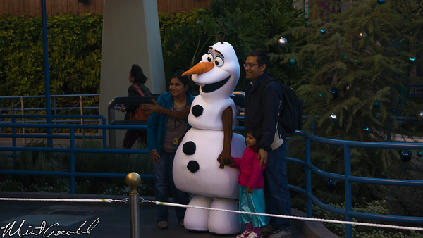 Disneyland Resort, Disney California Adventure, Hollywood Land, Frozen, Frozen Fun, Olaf, Meet, Greet