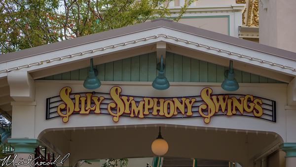 Disneyland Resort, Disney California Adventure, Silly Symphony Swings, Music, Notes, Flags