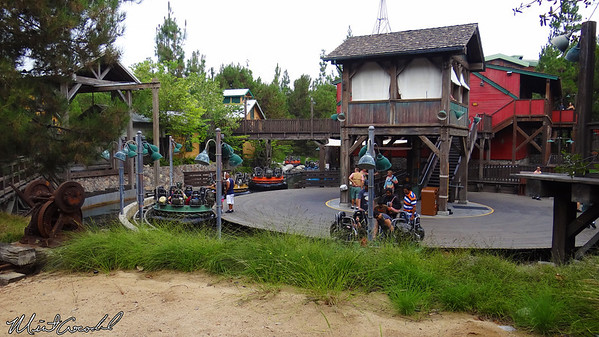 Disneyland Resort, Disney California Adventure, Grizzly River Run