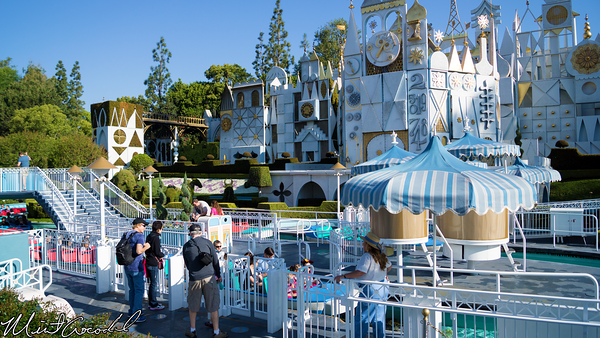 Disneyland Resort, Disneyland, it's a small world