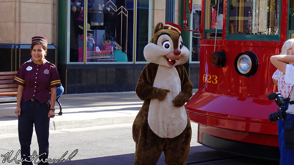 Disney California Adventure, Buena Vista Street, Red Car Trolley, Chip, Dale