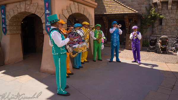 Disneyland Resort, Disneyland, Fantasyland, Pearly, Band