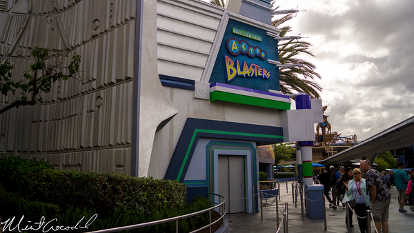 Disneyland Resort, Disneyland, Tomorrowland, Buzz, Lightyear, Astro, Blasters, Facade, Repainted, Paint, Repaint, Refurbishment, Refurbish, Refurb, Color, Scheme