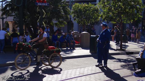 Disneyland Resort, Disney California Adventure, Buena Vista Street, Christmas Time, Citizens