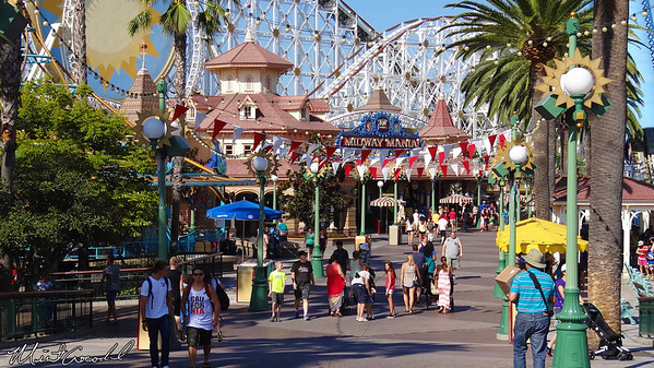 Disney California Adventure, Paradise Pier, Party in the Pier