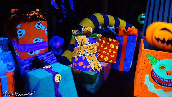 Disneyland Resort, Disneyland, Haunted Mansion Holiday